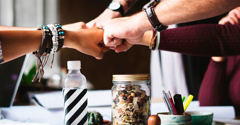 Conquistar a realização pessoal e profissional depende mais de hábitos internos do que motivações externas. Estimulá-los traz benefícios a todos os escalões
