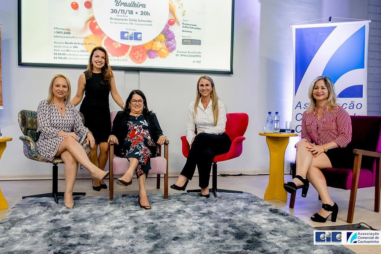 A consultora Flávia Santos foi cerimonialista e mediadora do talk show Os Desafios do Empreendedorismo Feminino