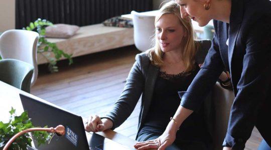 A Despertay oferece diversas soluções de capacitação profissional e de equipes, como mentoring, coaching, assessorias e cursos customizados para sua empresa