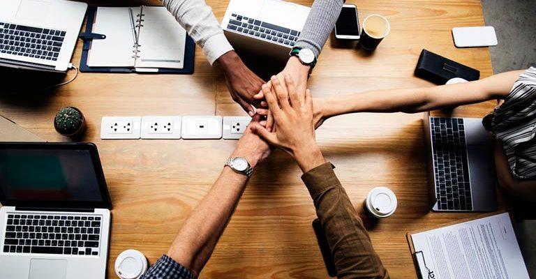 A Constelação Organizacional soluciona problemas de liderança de equipe e falhas que comprometem a qualidade do ambiente e das entregas de seu negócio
